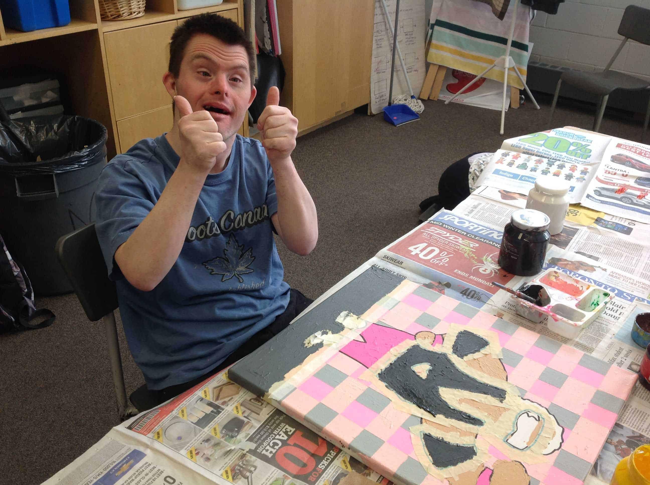 Addus Art Class Participant Image French Page